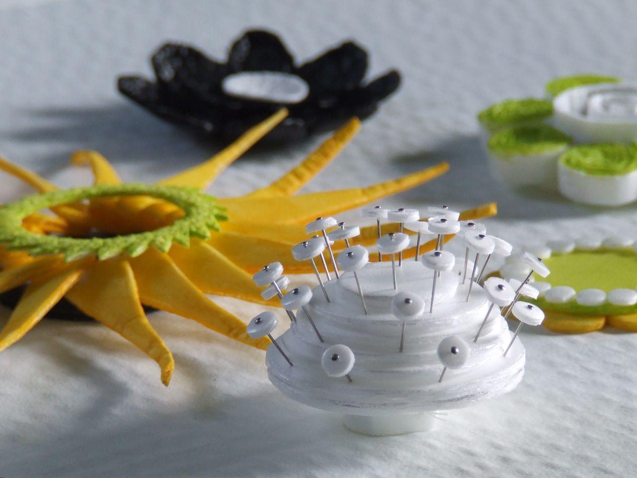 Цветы из ненужных материалов