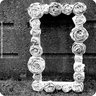 Reader Question: How Do You Make Your Newspaper Roses?